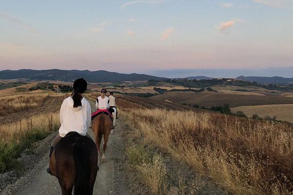 diacceroni-passeggiate-a-cavallo-tramonto-alba-1