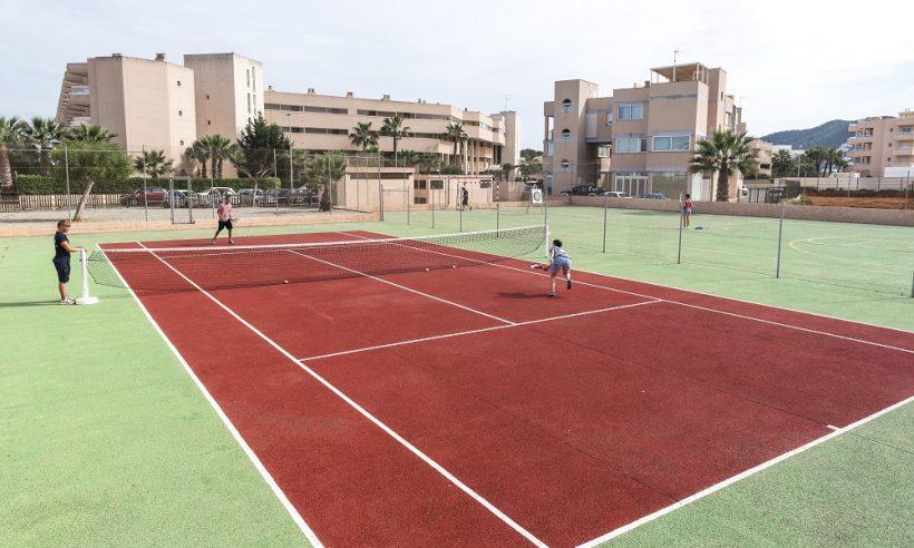 Tropic Garden tennis