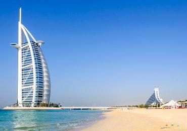 Dubai strand met Burj al Arab