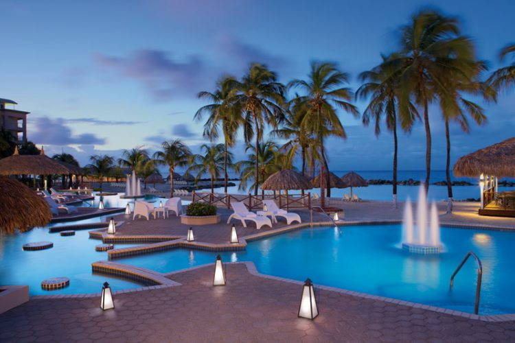Zwembad Sunscape Resort Curacao