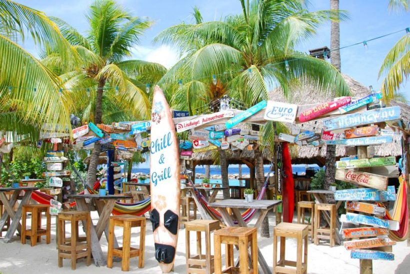 Chill Beach Bar – LionsDive