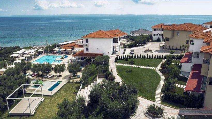 Buiten Hotel Sonia Resort