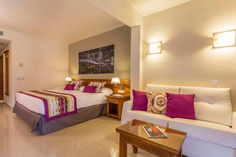 Grand Palladium Palace Ibiza Resort en Spa Superior Room