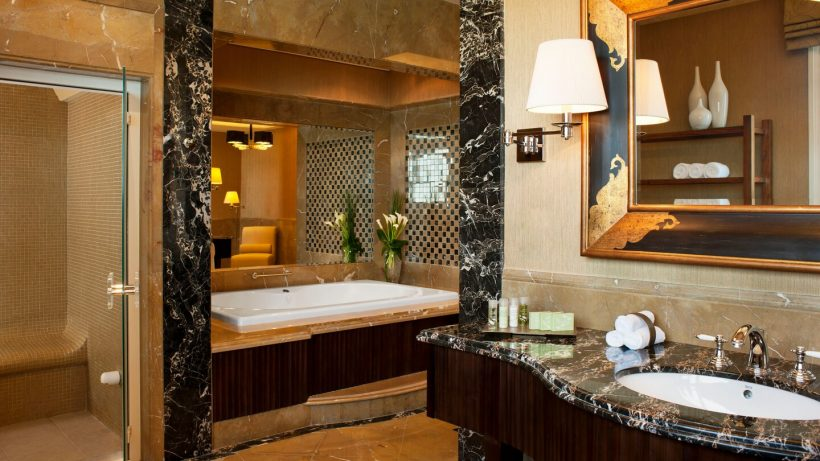 Luxe badkamer suite The Westin Dubai